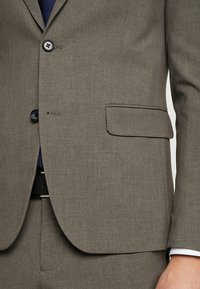 Lindbergh - PLAIN SUIT  - Puku - light brown - 8