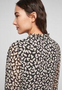 comma - MIT VOLANTS - Day dress - black dot love - 4