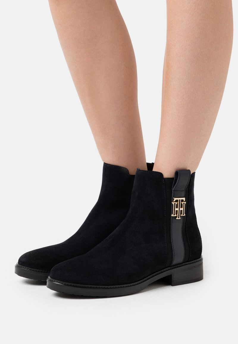 Tommy Hilfiger - INTERLOCK BOOT - Classic ankle boots - desert sky