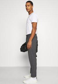 AllSaints - BATALHA TROUSER - Trousers - charcoal - 3