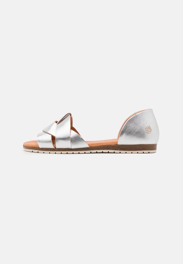 COCO - Sandaler - plata