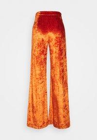 Stieglitz - SITA PANTS - Trousers - cinnamon - 1