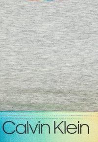 Calvin Klein Underwear - PRIDE BRALETTE - Top - grey heather - 2
