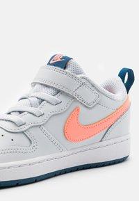 Nike Sportswear - COURT BOROUGH LOW 2  - Trainers - pure platinum/atomic pink/valerian blue/white - 5