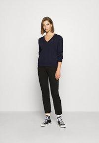Tommy Jeans - SOFT TOUCH V NECK  - Jumper - dark blue - 1
