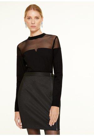 MIT DETAIL - Long sleeved top - black