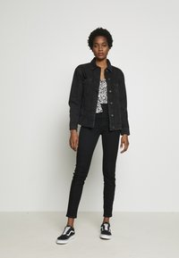 Vero Moda - VMKATRINA LOOSE JACKET MIX - Džínová bunda - black - 1