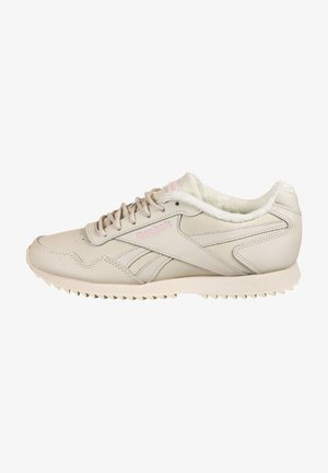 Trainers - alabaster / chalk / classic pink