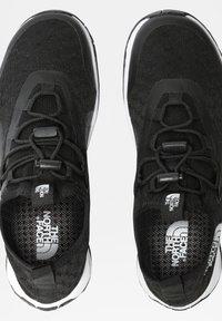 The North Face - W SKAGIT WATER SHOE - Sneakersy niskie - tnf black tnf white - 3
