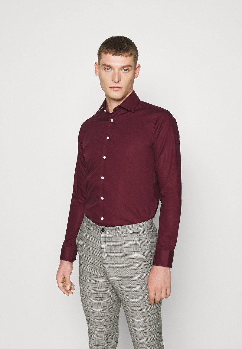 Seidensticker - MODERN KENT X SLIM - Formal shirt - bordeaux