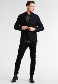 Selected Homme - SHSLIM LEON  - Džíny Slim Fit - black - 1