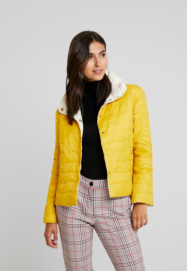 REVERSIBLE ULTRA LIGHT - Winter jacket - yellows