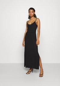 Even&Odd - Basic Strappy Maxikleid - Maxi dress - black - 0