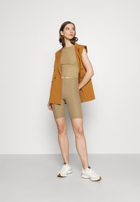 ONLY - ONLNELLA SET - Shorts - toasted coconut - 1