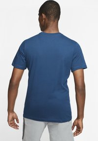Nike Performance - DRY TEE CREW SOLID - Basic T-shirt - blue - 2