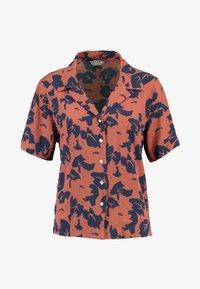 Neuw - MANHATTAN - Button-down blouse - cognac/navy - 3