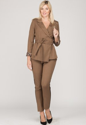 SET - Blazer - brown