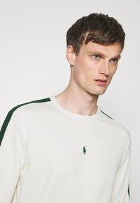 Polo Ralph Lauren - LOOPBACK - Sweatshirt - chic cream/college green - 3
