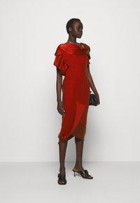 Vivienne Westwood - AMNESIA DRESS - Koktejlové šaty/ šaty na párty - red - 1