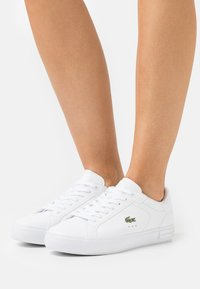 Lacoste - POWERCOURT - Baskets basses - white - 0