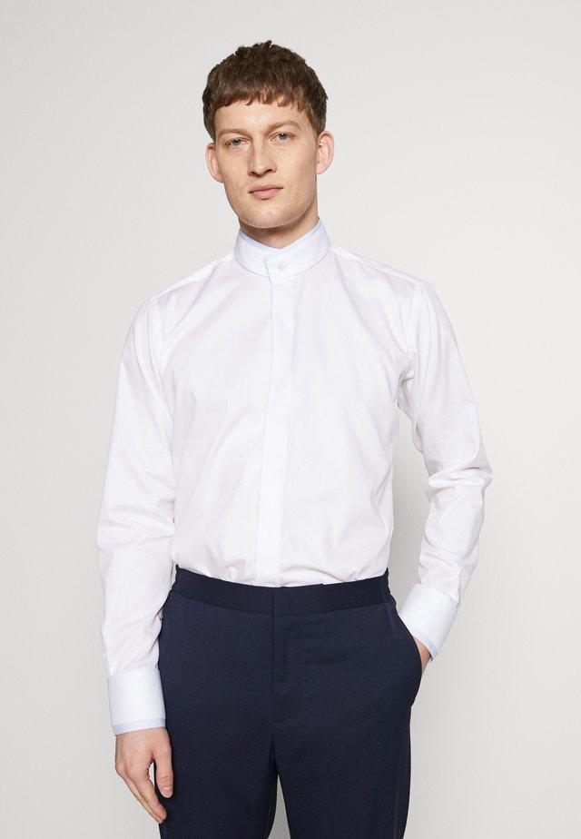 MODERN FIT - Koszula biznesowa - white light