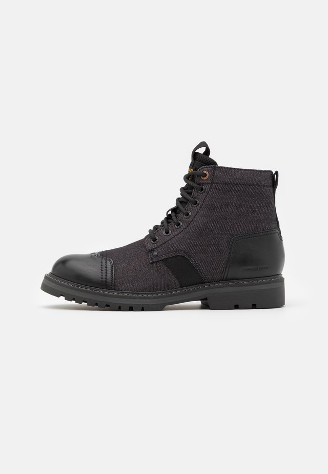 STREK BOOT - Stivaletti stringati - black