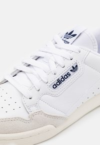 adidas Originals - CONTINENTAL 80 SPORTS INSPIRED SHOES UNISEX - Matalavartiset tennarit - footwear white/collegiate navy/offwhite - 7
