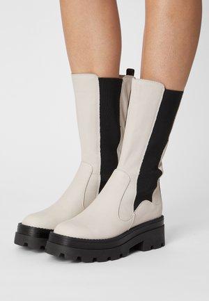 Platform boots - panna