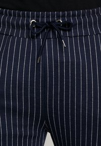 CLOSURE London - PIN STRIPE - Träningsbyxor - navy - 5