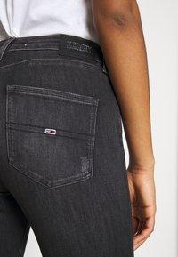 Tommy Jeans - SYLVIA HR SUPER SKNY RBSTD - Jeans Skinny Fit - rudy black - 5