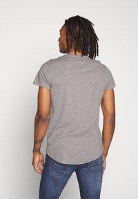 Tommy Jeans - VNECK TEE - Basic T-shirt - dark grey - 2
