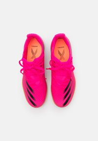 adidas Performance - X GHOSTED.3 IN UNISEX - Indoor football boots - shock pink/core black/screaming orange - 3