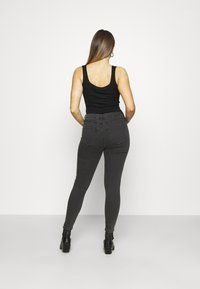 Cotton On - MID RISE - Jeans Skinny Fit - washed black - 2
