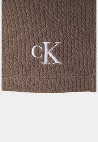 Calvin Klein Jeans - SLUB CROPPED STRAPPY - Top - dusty brown - 2