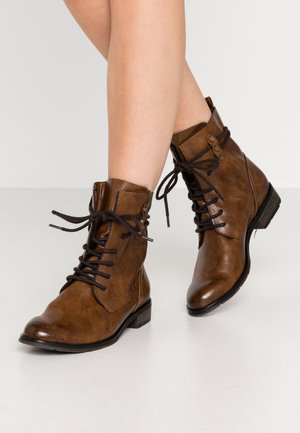 BOOTS - Lace-up ankle boots - cognac antic