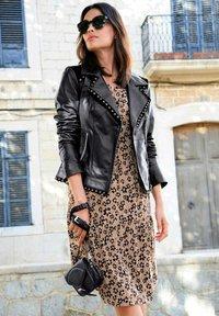 Alba Moda - Day dress - cognac,schwarz - 5