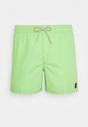 VOLLEY - Shorts da mare - grass green