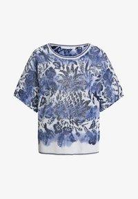 Oui - MIT KURZEN ÄRMELN - Print T-shirt - light grey blue - 4
