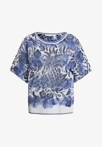 MIT KURZEN ÄRMELN - Print T-shirt - light grey blue