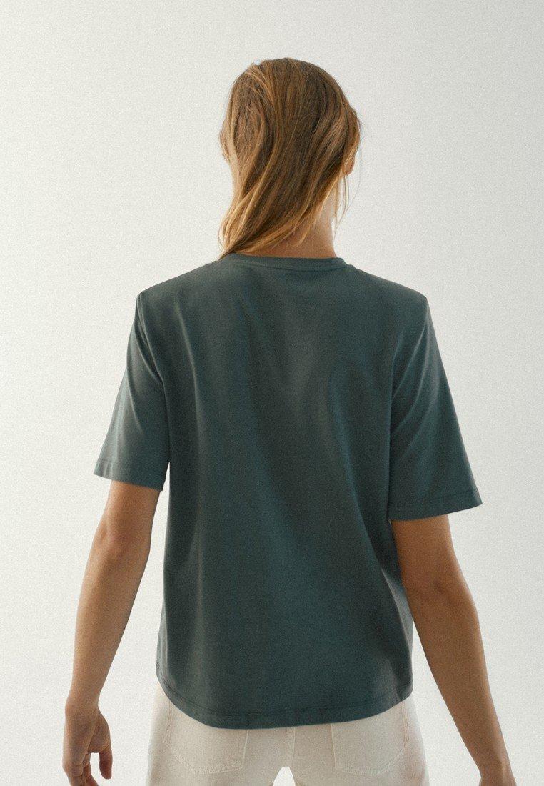 Massimo Dutti MIT SCHULTERPOLSTERN  - T-shirts basic - green -  8L8Zl