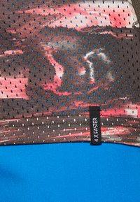 ION - TEE SCRUB AMP DISTORTION  - T-shirt z nadrukiem - root brown - 4