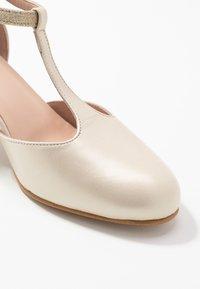 LAB - Bridal shoes - offwhite - 2