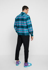 Obey Clothing - FITZGERALD  - Shirt - deep teal - 2