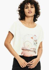 Garcia - Print T-shirt - off white - 0