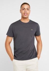 Lacoste - T-shirt basique - graphite - 0