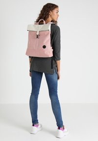 Enter - CITY FOLD TOP BACKPACK - Batoh - melange red/natural - 1