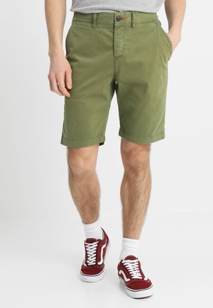 INTERNATIONAL CHINO SHORT - Shorts - dry military green