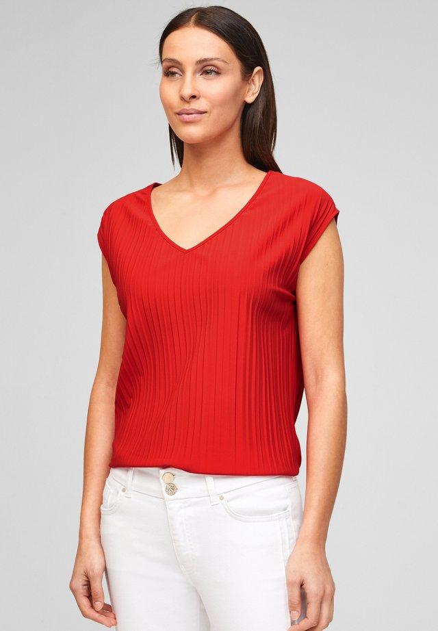 PLISSEE - T-shirt basic - burning red