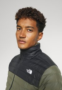 The North Face - STRETCH JACKET - Doudoune - green/black - 3
