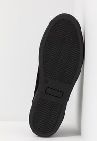 Shepherd - AMBER - Ankle boots - black - 6